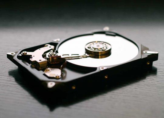 hard-drive-607461_1920